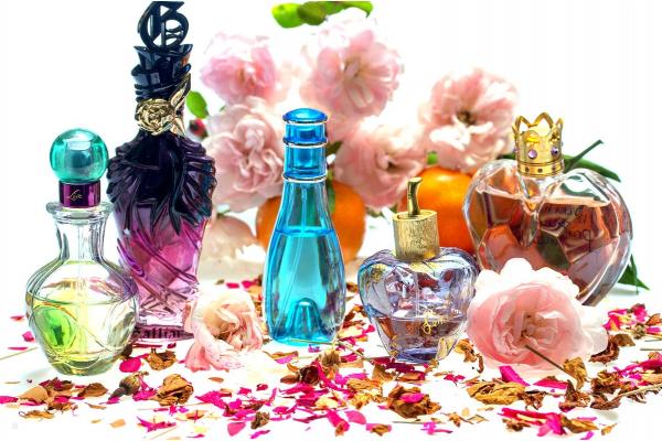 История создания ароматов: как раньше делали духи?